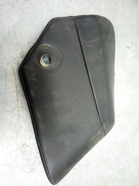 Накладка внутренняя правая Cayenne 2003-2010