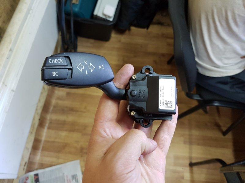 Переключатель поворотов Bmw 5-Series E60 N52B30 2005