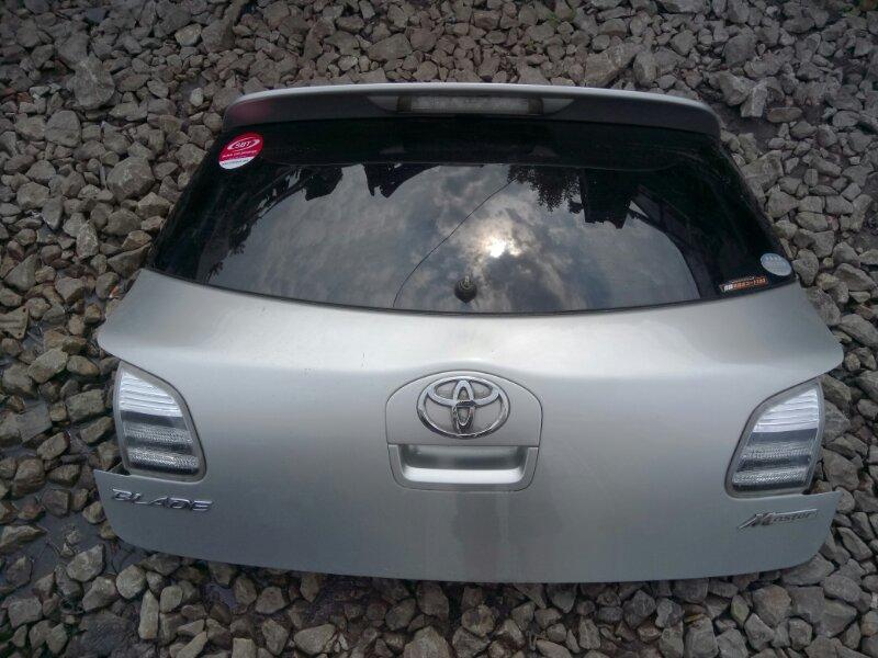 Дверь задняя багажника Toyota Blade GRE156 2GR-FE 2004
