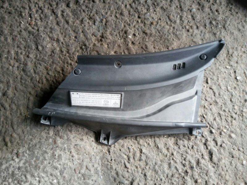 Решетка под дворники ( жабо) Toyota Rav4 ACA21W 1AZ-FSE 2003