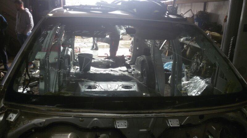 Стекло лобовое Volkswagen Touareg 7L6 4.2 AXQ 2005