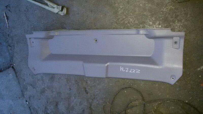Обшивка крышки багажника Toyota Celica ZZT231 2ZZ-GE 2000