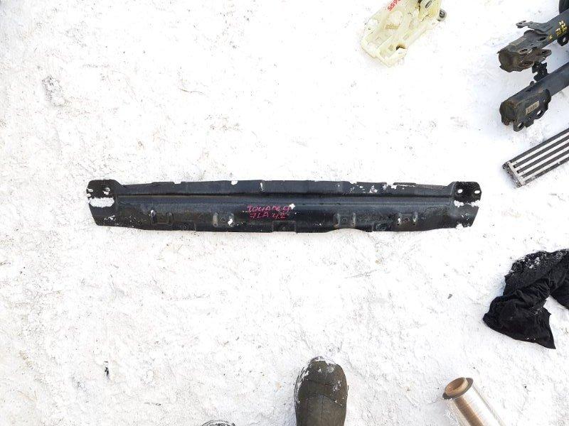 Планка радиатора Volkswagen Touareg 7L6 4.2 AXQ 2005 нижняя