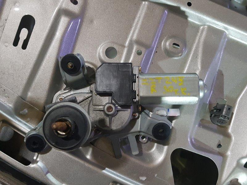 Мотор заднего дворника Toyota Premio ZZT245 1ZZ-FE 2004