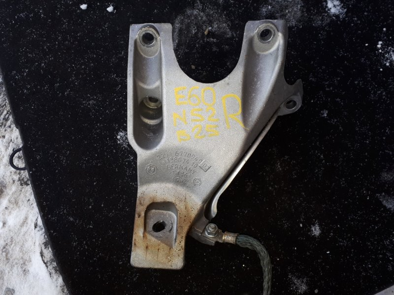 Кронштейн двигателя Bmw 5-Series E60 N52B30 2006 правый