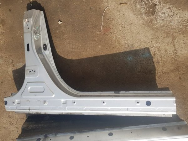 Порог Toyota Camry AVV50 2AR-FXE 2013 правый