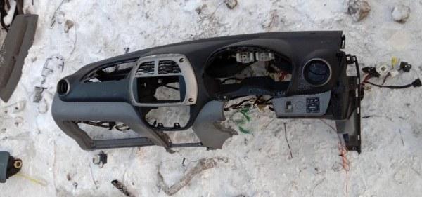 Панель передняя в салон Toyota Rav 4 ACA21 1AZ-FSE 2002