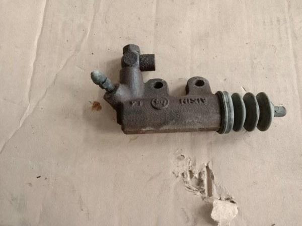 Рабочий цилиндр сцепления Toyota Probox NLP51 1ND-TV 2005