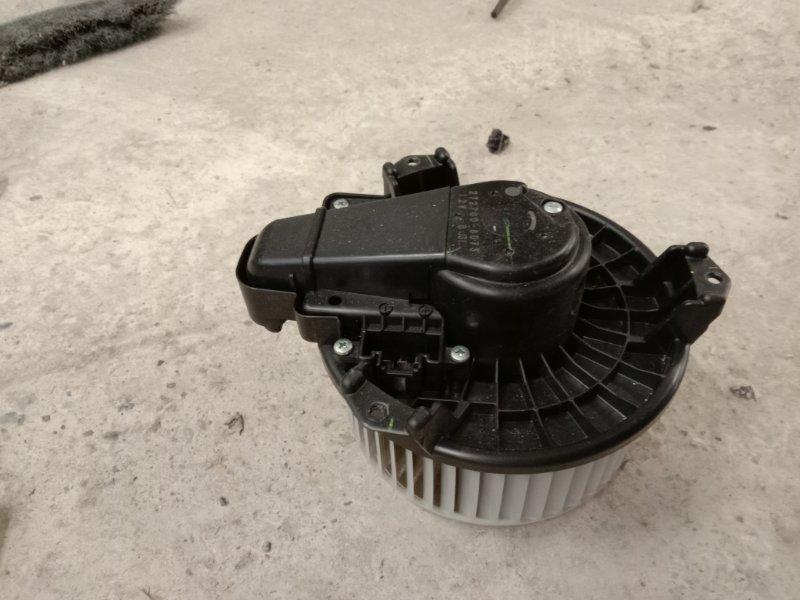 Вентилятор печки Toyota Auris NZE151H