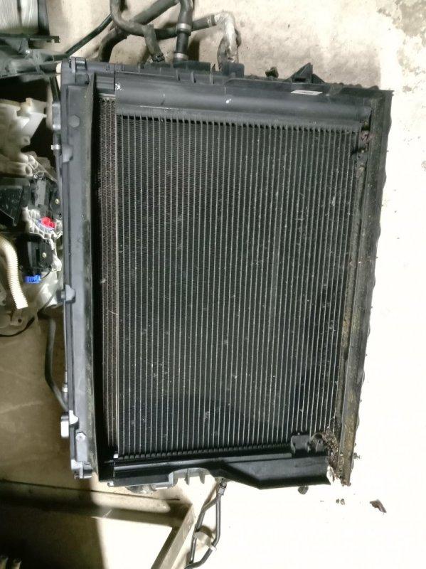 Радиатор двигателя Bmw E60 N52B30 2005