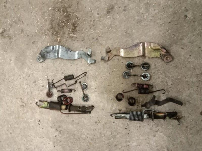 Механизм ручника Toyota Probox NCP59 1NZ-FE 2004