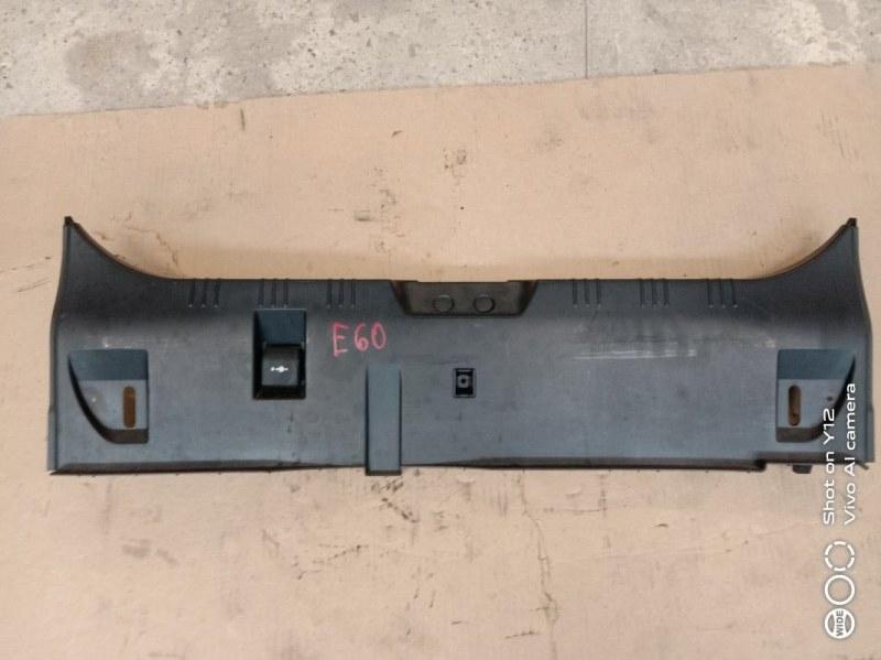 Накладка багажника Bmw 5-Series E60 M54B30 2005