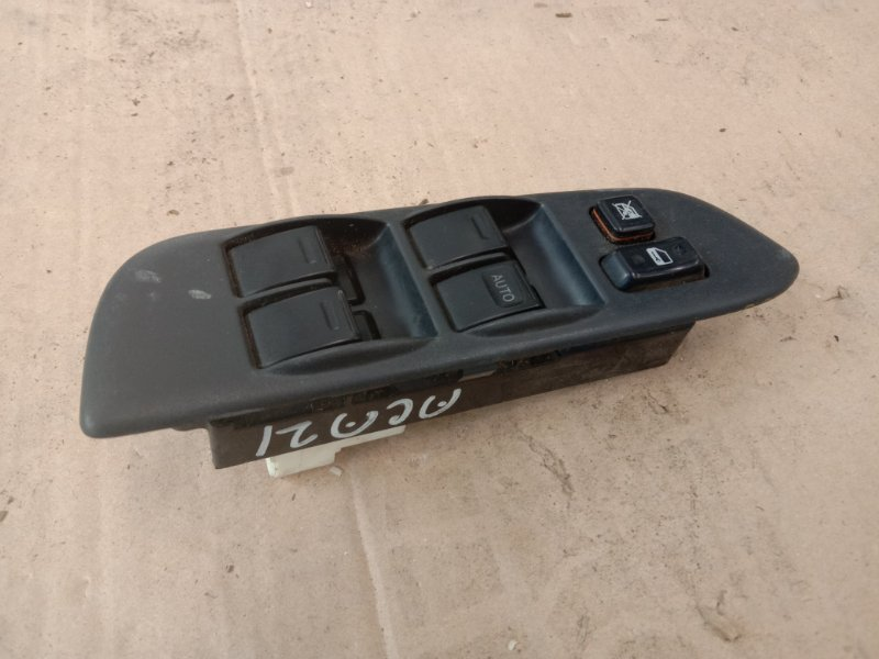 Блок управления стеклоподъемниками Toyota Rav 4 ACA21 1AZ-FSE 2002 передний правый