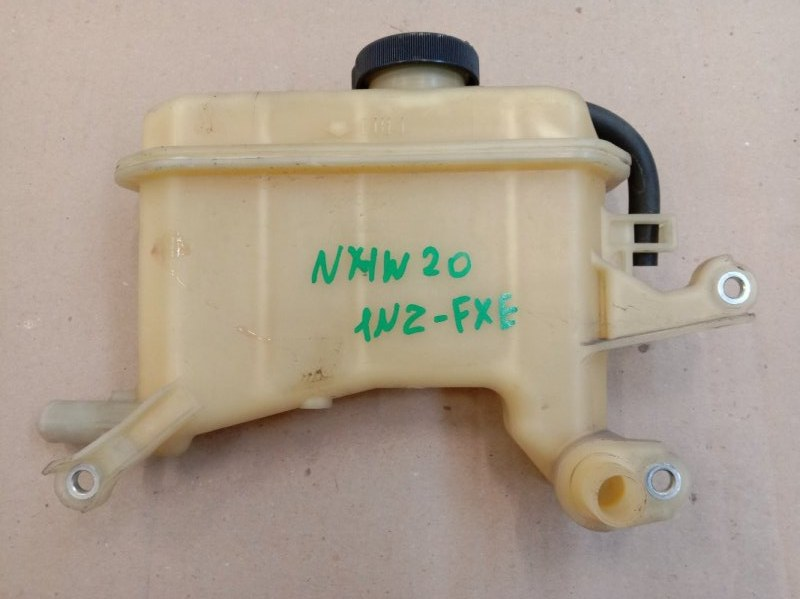 Бачок расширительный Toyota Prius NHW20 1NZ-FXE 2006