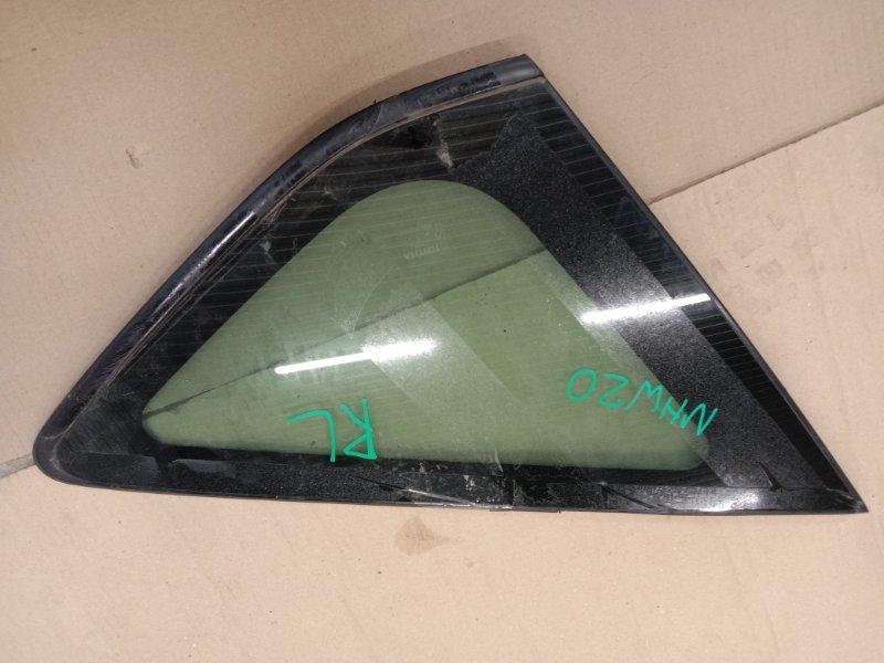Стекло собачника Toyota Prius NHW20 1NZ-FXE 2006 левое