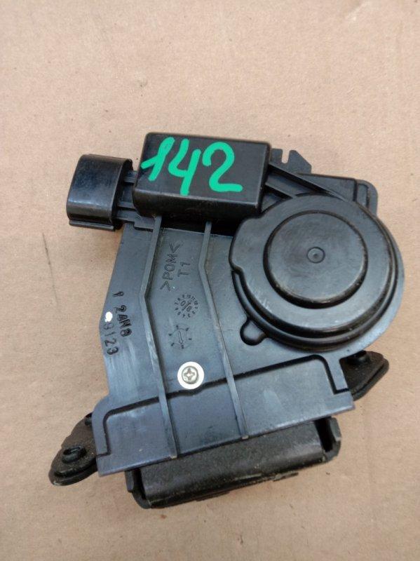 Замок багажника Toyota Corolla Fielder ZRE142 2ZR-FE 2010