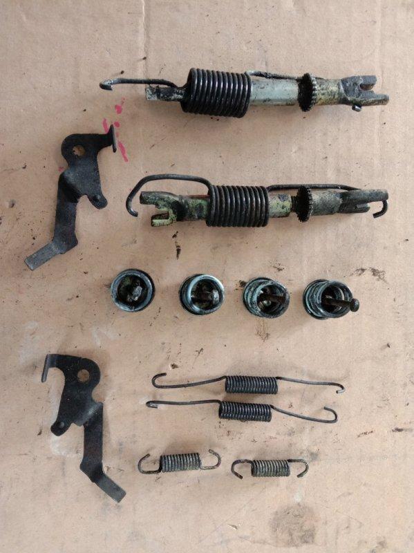 Механизм ручника Toyota Corolla Fielder ZRE142 2ZR-FE 2010