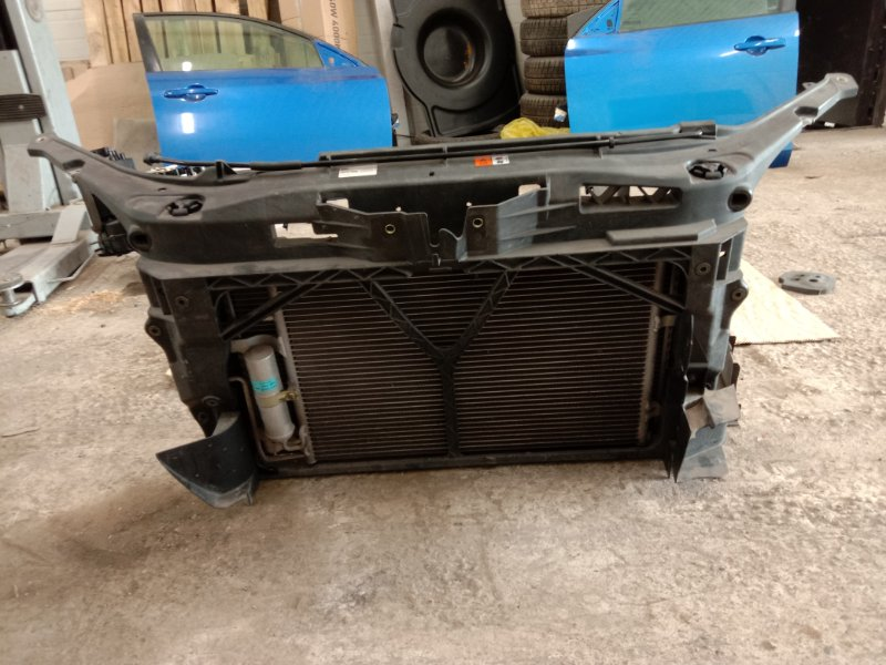 Рамка радиатора Mazda Axela BKEP LF-DE 2005