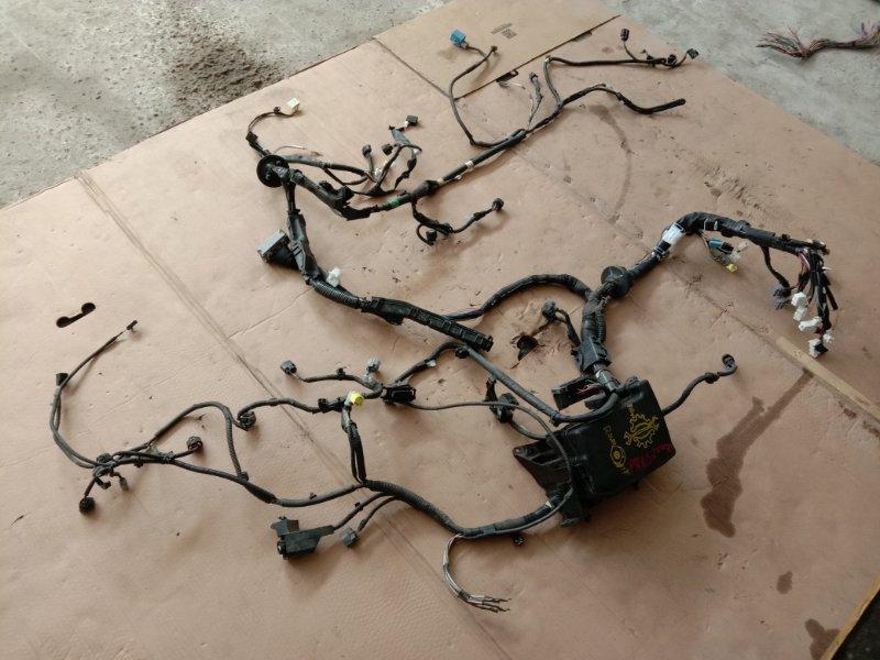 Блок реле и предохранителей Toyota Prius ZVW30 2ZR-FXE 2010