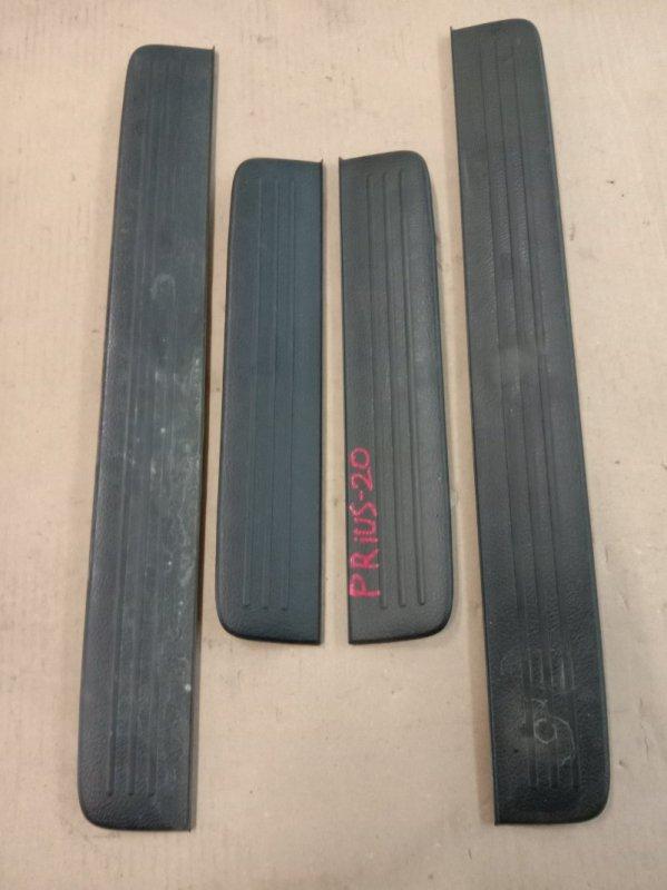 Накладка на порог Toyota Prius NHW20 1NZ-FXE 2005