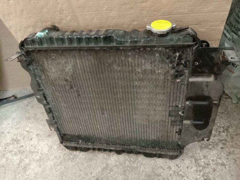 Радиатор двигателя Jeep Wrangler YJ ERH 1993