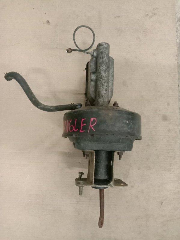 Главный тормозной цилиндр Jeep Wrangler YJ ERH 1993