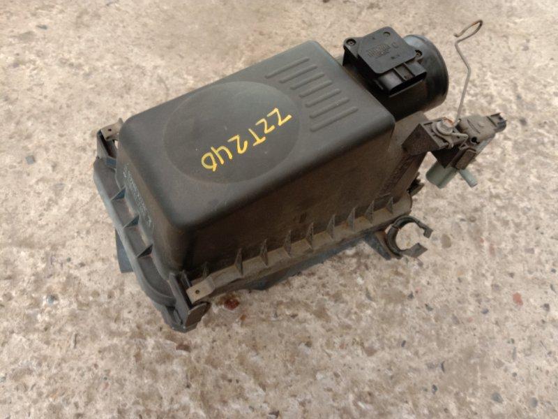 Корпус воздушного фильтра Toyota Allion ZZT240 1ZZ-FE 2003