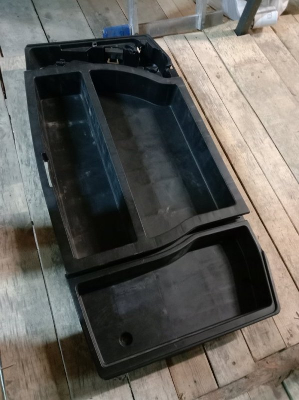 Полка багажника Toyota Corolla Runx ZZE122 1ZZ-FE 2003