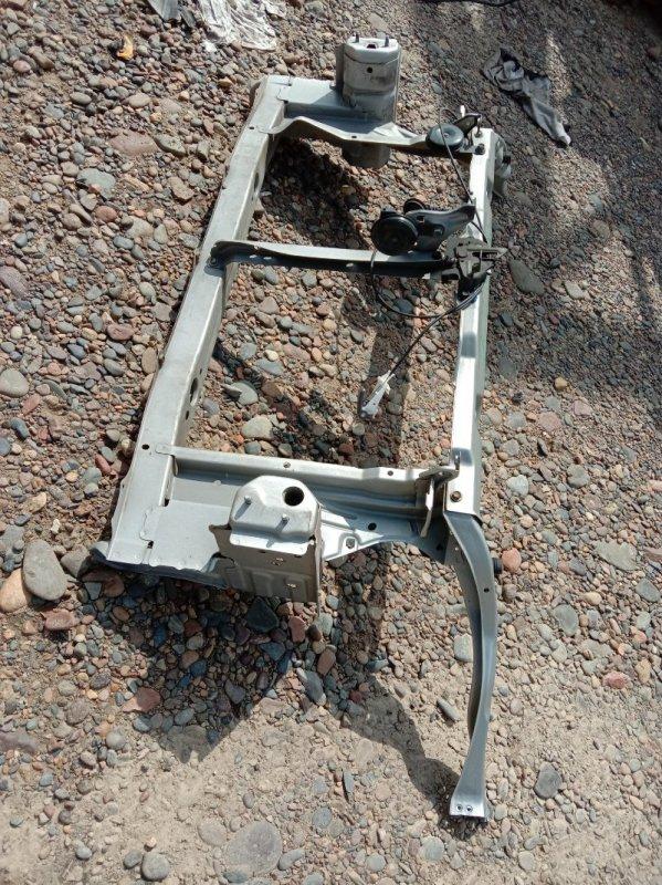 Рамка радиатора Toyota Prius NHW20 1NZ-FXE 2005