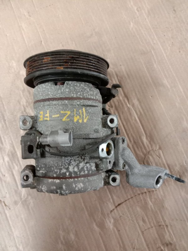 Компрессор кондиционера Toyota Kluger MCU25 1MZ-FE 2003