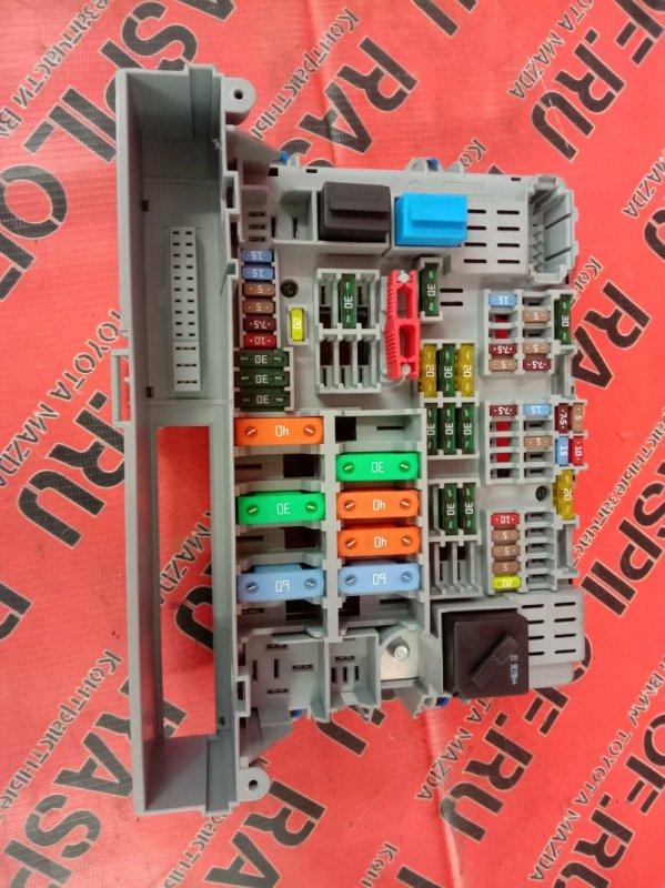 Блок реле и предохранителей Bmw 3-Series E90 N52B25 2006