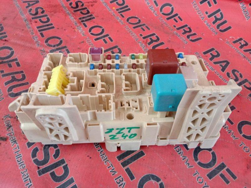 Блок реле и предохранителей Toyota Premio ZZT240 1ZZ-FE 2003
