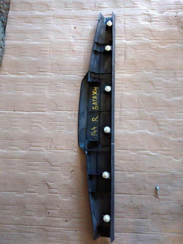 Накладка на дверь багажника Toyota Corolla Fielder NZE144 1NZ-FE 2009