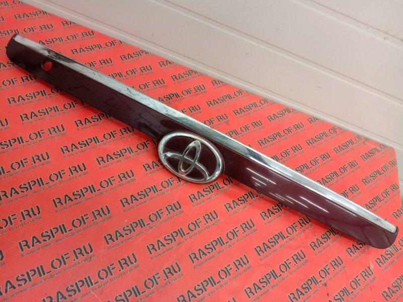 Накладка на дверь багажника Toyota Corolla Fielder ZZE123 2ZZ-GE 2003