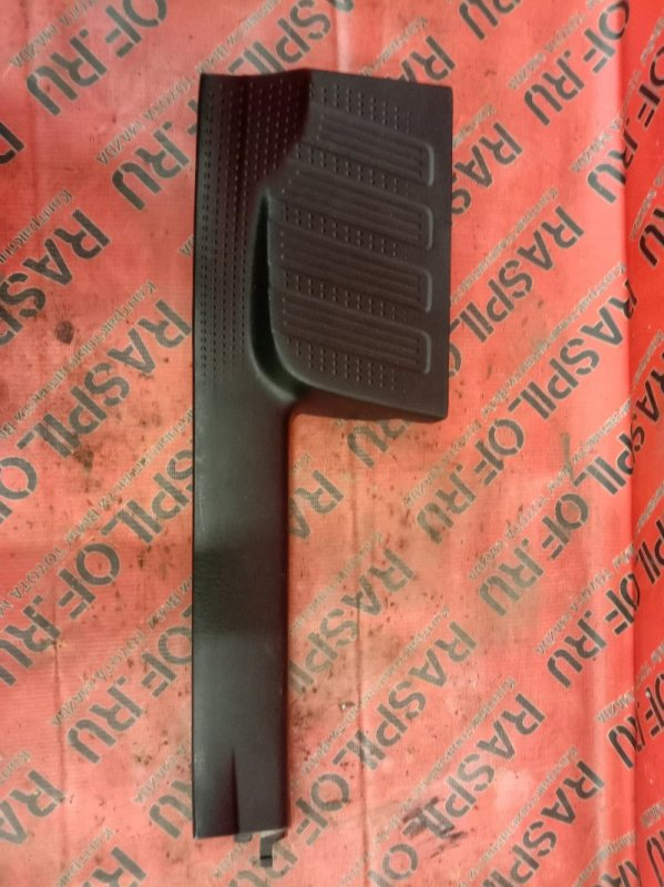 Накладка на порог Toyota Kluger MHU28W 3MZ-FE 2006 задняя правая