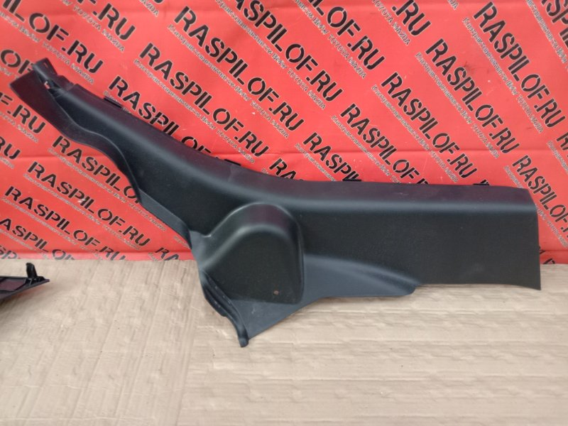 Накладка на порог Mazda Axela BLEFW LF-VDS 2009 задняя правая