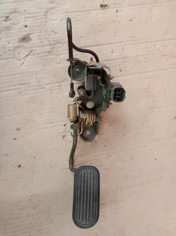 Педаль Toyota Rav 4 ACA21 1AZ-FSE 2002