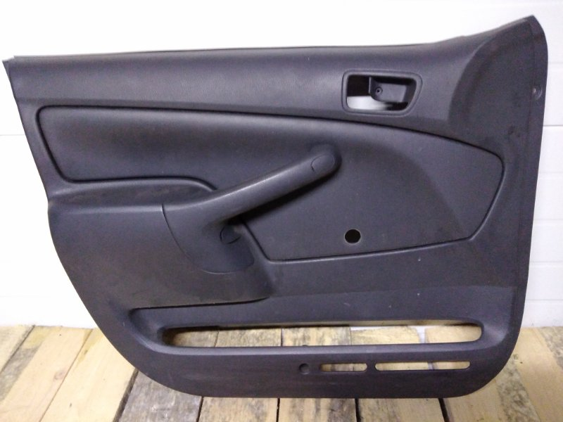 Обшивка двери Toyota Probox NCP55 1NZ-FE 2004 передняя левая