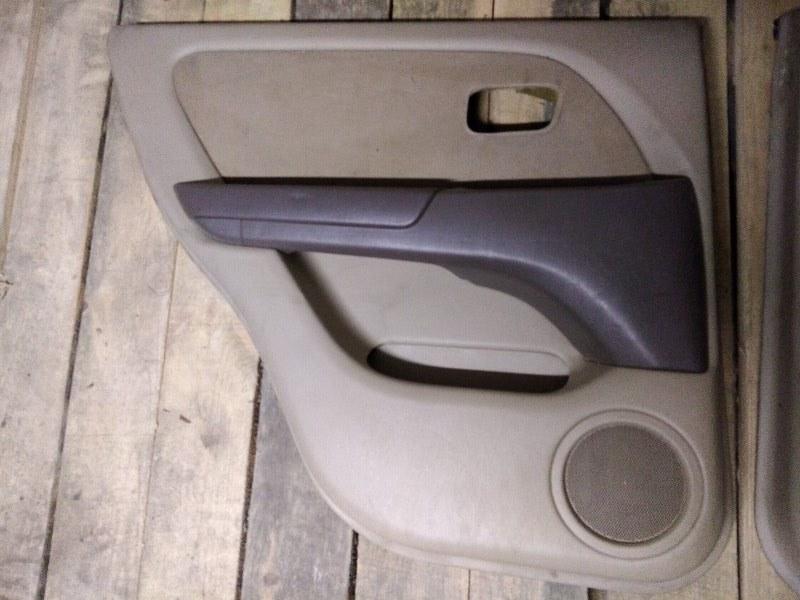 Обшивка двери Toyota Harrier MCU15 1MZ-FE 1999