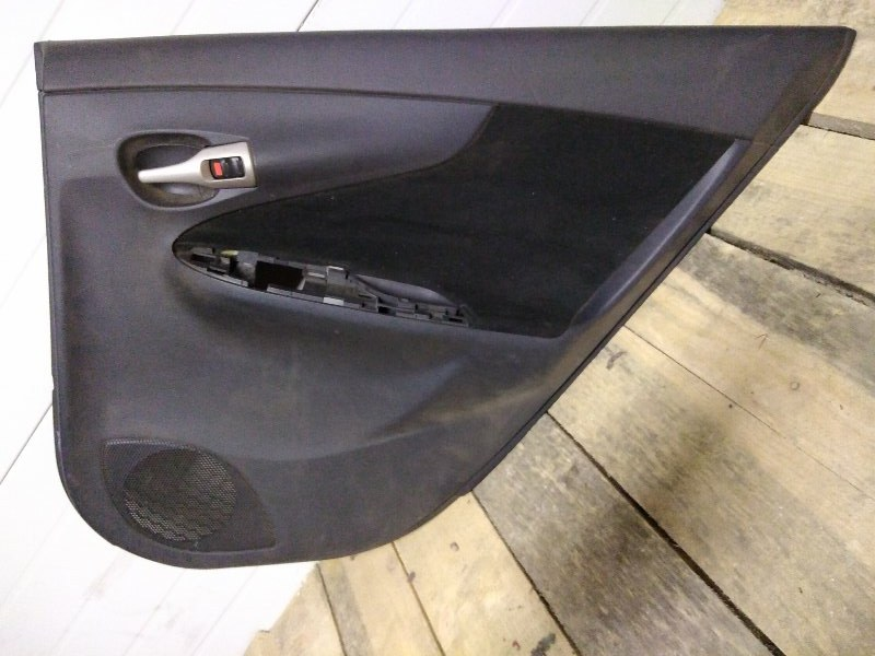 Обшивка двери Toyota Corolla Fielder NZE141 1NZ-FE 2007 задняя правая