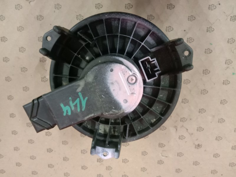 Вентилятор печки Toyota Corolla Fielder NZE141 1NZ-FE 2007
