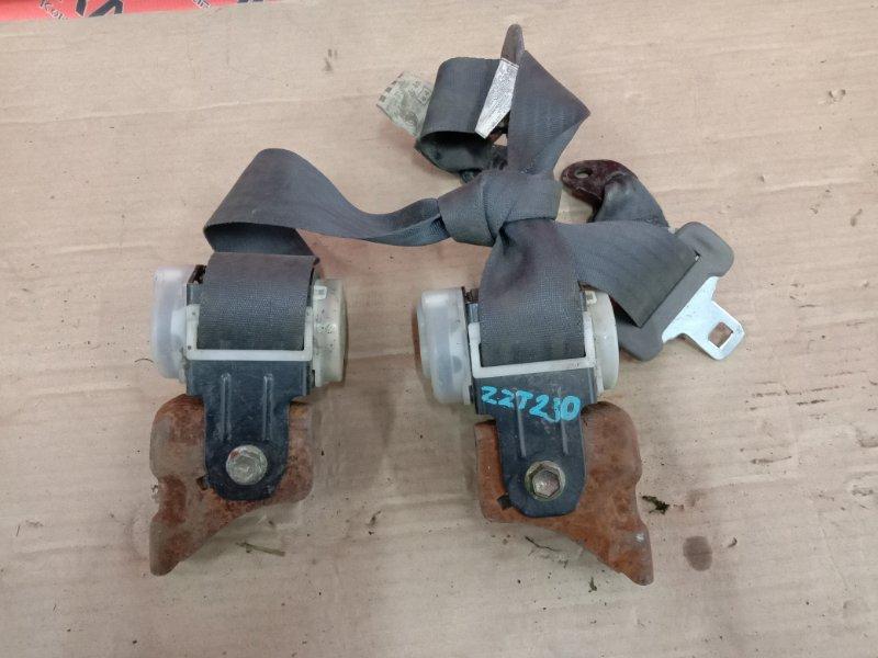 Ремень безопасности Toyota Celica ZZT231 2ZZ-GE 2000 задний