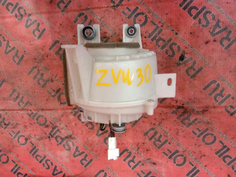 Вентилятор Toyota Prius ZVW30 2ZR-FXE 2010
