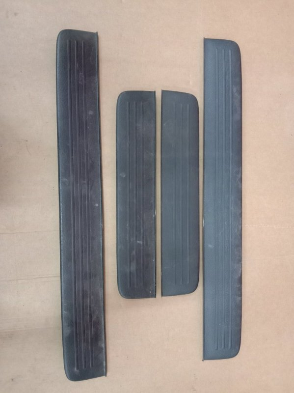 Накладка на порог Toyota Caldina AZT241 2003