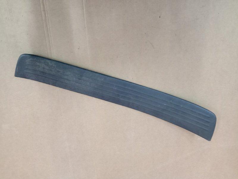 Накладка на порог Toyota Caldina ST215 3S-GE 1999 задняя правая