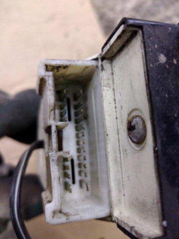 Блок управления стеклоподъемниками Toyota Camry SV40 3S-FE 1995 передний правый