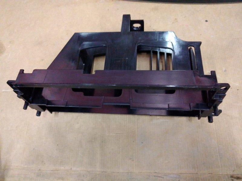 Крепление магнитолы Bmw 3-Series E46 N46B20 2004