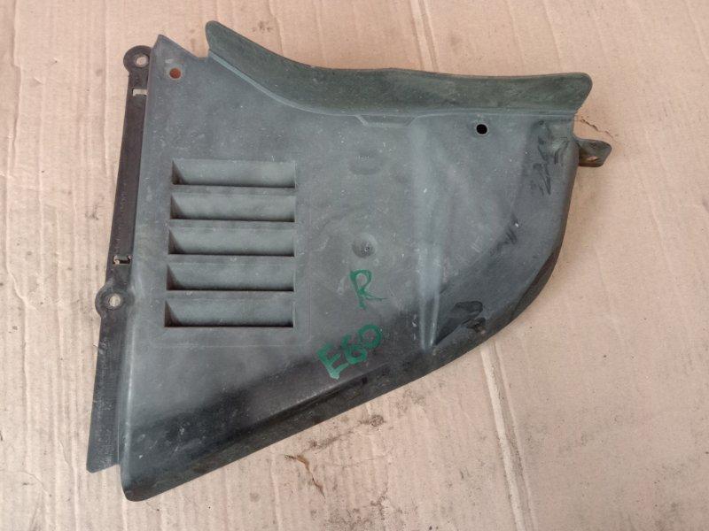 Подкрылок Bmw 5-Series E60 N52B30 2005 передний правый нижний