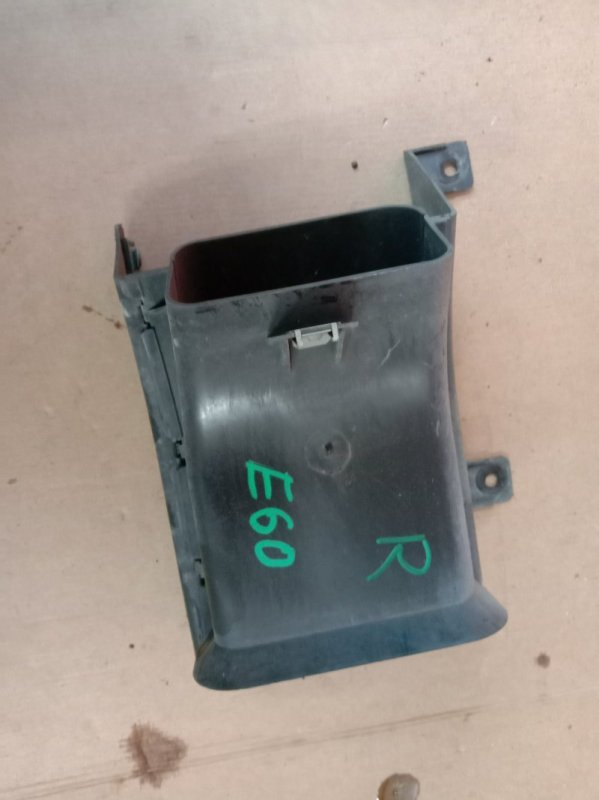 Воздухозаборник Bmw 5-Series E60 N52B30 2005 правый