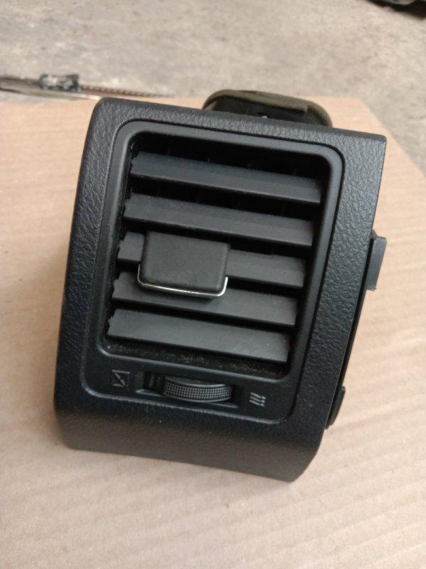 Дефлектор воздушный Toyota Corolla Fielder ZRE144 2ZR-FE 2010 левый